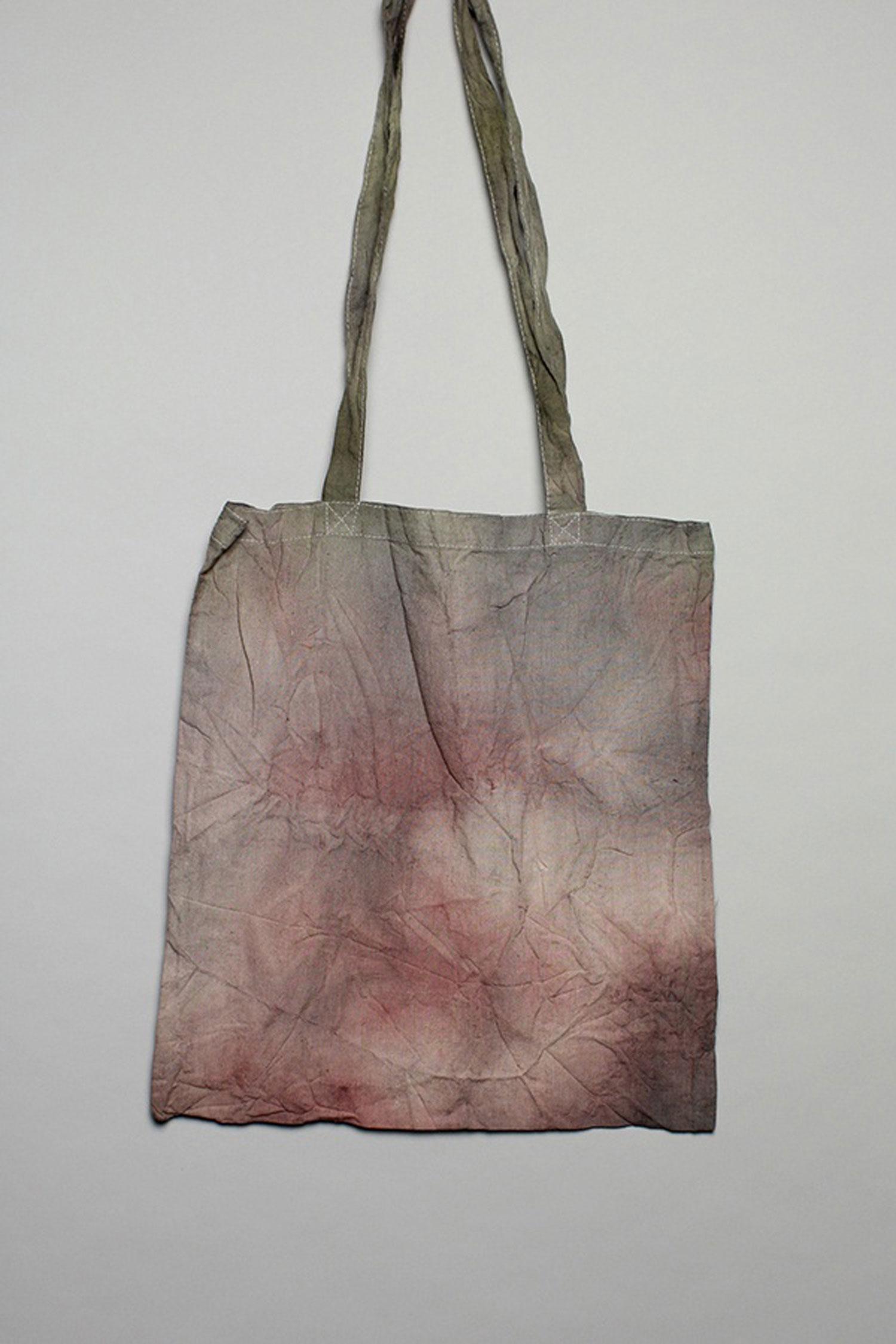 f9e4cf220 Jolana Sýkorová - plátěné tašky pro The ROOM BASMATEE